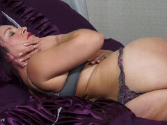 British housewife fingering herself