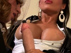 Charming hottie fucked with fake one-eyed monster