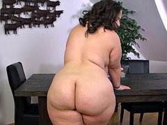 Sweetheart girl with big curves