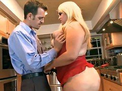 Young-looking married Real bbw gets fucked in Kitchen