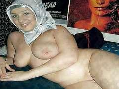 Arabian babes dressed - slideshows V