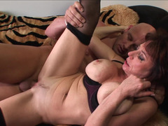 Aged cougar experiences special bliss thank to bald fucker