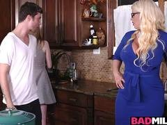 Hot boyfriend fucked Dolly and additionally Alura in the kitchen