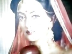 Bride Raima Sen appreciated