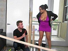 Handyman gets a helpful