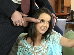 Dillion Harper is a amazing peach that can please gentleman