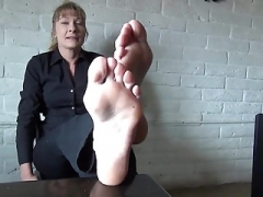 Ticklish mom i`d like to fuck soles