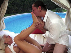 Old hottie is able to perform hot outdoor sex action