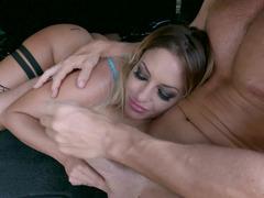 Kissa Sins blows off off her man Johnny in hte SUV