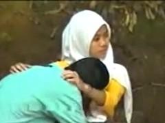 jilbab abg cie-kodok memek aku