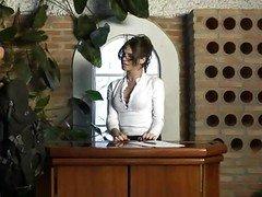 Hot Shemale Secretary Bia Utterly N