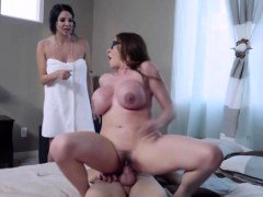 I fucked a duo Moms Ariella and Missy on my house