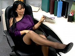 Reception gal fucking right on her desk