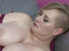 Bigtit old mother feeding her hungry vag