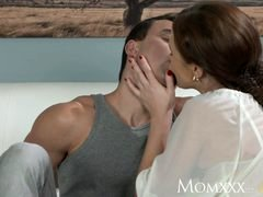 MOM Less experienced boy makes love more seasoned housewife in the ass