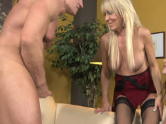 Mature babe Erica Lauren shares a dick with Carmen McCarthy