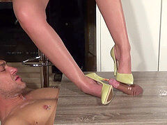dame Latisha - rod trample / Urethal Insertion / Shoejob