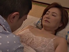 SPRD-1123 The Annual Wife Who Is Older Than The Remarriage Partner Is As Good As