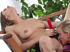 lezbijski strapon porno com besplatni porno video iphone