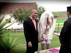 Hotgold impatient horny Bride pulverized at her wedding outdoors