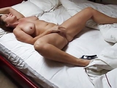 Extremely Hot Bodied Beautifull Milf Orgasms