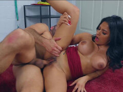 Buxom latina Serena Santos gives wild time to her man