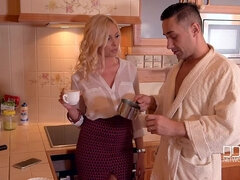 Coffee Creamer - Blonde Babe Sucks Morning Glory