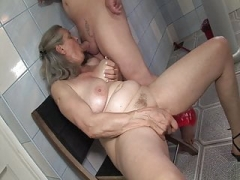 Barefaced sex with granny in the bathroom