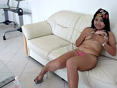 Sizeable natural bra buddies on this Thai girl