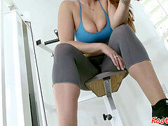 buxomy bombshell footworshiped after workout
