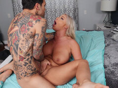 Milf London River tests her daughter's new boyfriend in bed