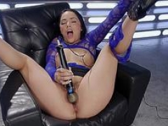 Sextoy fucked machine babe getting pounded