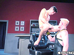 fistingCentral You're A Good Little twink, Now rail My Fist!