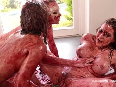 3some lesbian messy action in sweet foods