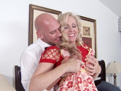 Cheating Julia Ann gives the best tit-jobs