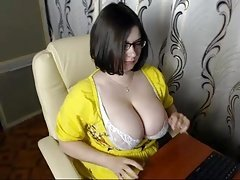 #3 big tits bigtitted cam girl