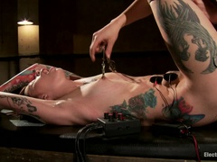 Tattooed Cutie gets Electro-Fucked!