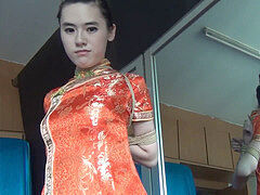 chinese dame in qipao