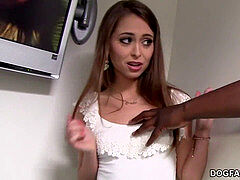 Riley Reid cheats on her bf with big black cock - Gloryhole