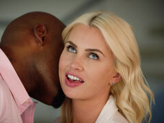 Housewife Gigi Allens cheats on her husband with black stud