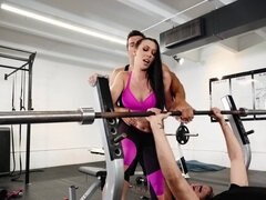 MILF and fitness instructor turn workout into fucking