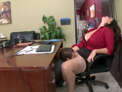 A boobalicious thing that has a huge ass is getting fucked in the office