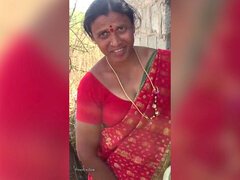 Telugu aunty caught fucking on Feild
