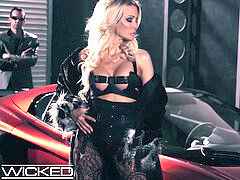 Wicked pics - jessica drake Takes Facials From two chisels