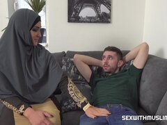 Muslim babe Sofia wants his huge cock