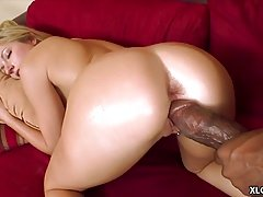 Kylee Reese gets her vag stretched by BBC
