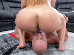 Kelsi Monroe sat on Sean Lawless' face and got her pussy licked