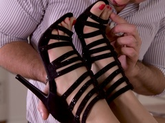 Desperate Housewife's Footjob