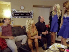 New Years Family Fuck - S1:E3
