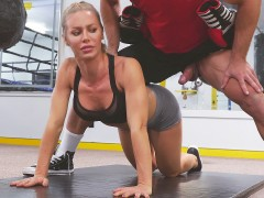 Nicole Aniston doing sports with the trainer Johnny Castle